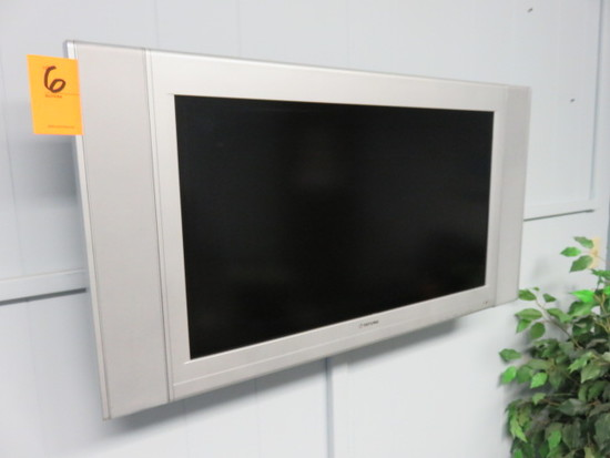 TATUNG FLATSCREEN TV