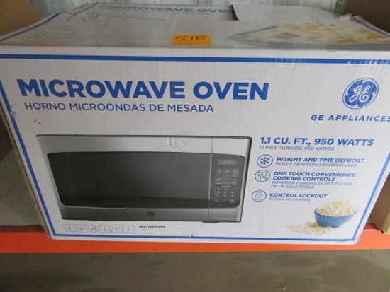 G.E 1.1 CU. FT. 950 WATT MICROWAVE