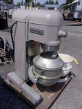 HOBART H-600-T HEAVY DUTY MIXER W/ STAINLESS STEEL MIXING BOWL