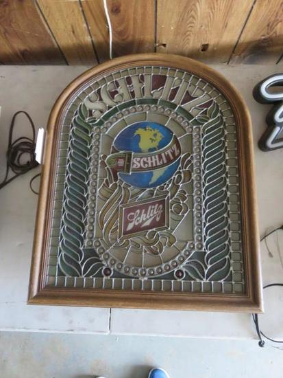 SCHLITZ 26'' X 20'' OLD WORLD ELECTRIC BEER SIGN