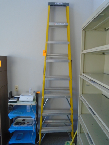 KELLER 8' FIBERGLASS STEP LADDER
