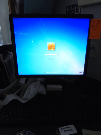 DELL DESKTOP COMPUTER W/MONITOR *PASSWORD UNKNOWN