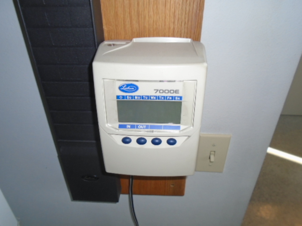 Amazon. Com: lathem 7000e computerized calculating time recorder.