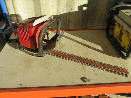 SEARS 18''/23CC GAS HEDGE TRIMMER