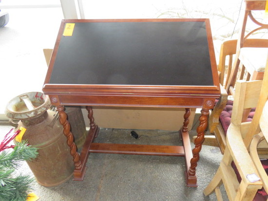 SMALL DRAFTING TABLE