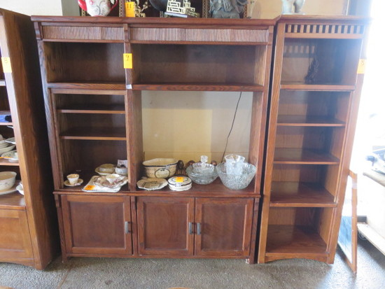 WOOD DINING ROOM CASE