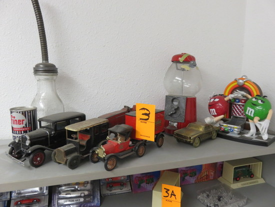 ASSORTED TOY CARS & CANDY DISPENSERS