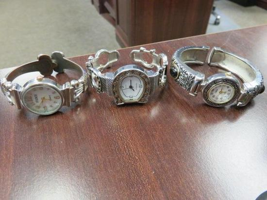 (1) GENEVA QUARTZ LADIES WATCH, (1) COLLEZI LADIES WRIST WATCH AND (1) STUDIO TIME LADIES WRIST