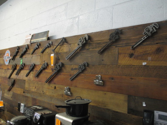 LOT OF VINTAGE PIPE WRENCHES