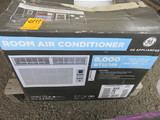 GE 8,000 BTU/HR ROOM AIR CONDITIONER