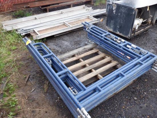 LOT OF SCAFFOLDING W/ (6) UPRIGHTS, (16) CROSS ARMS & (3) PLANKS