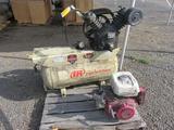 INGERSOLL RAND 30 GALLON, 200 P.S.I GAS AIR COMPRESSOR W/HONDA GX390 ELECTRIC START ENGINE