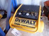 DEWALT EMGB D55141 HEAVY DUTY 2 GAL HAND CARRY COMPRESSOR
