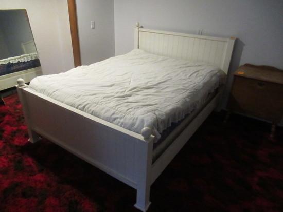 FULL SIZE BED SET W/ BED FRAME