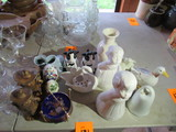 LOT OF MOSTLY ASSORTED CERAMIC FIGURINES