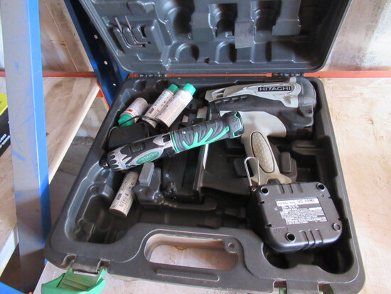 HITACHI NT 656S 3.6V 2 1/2'' GAS FINISH NAILER, (4) HITACHI FUEL RODS, HITA