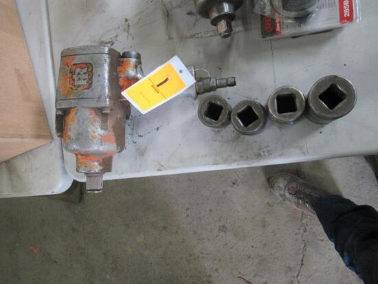 Ingersoll Rand 1'' pneumatic impact c/w 4 sockets