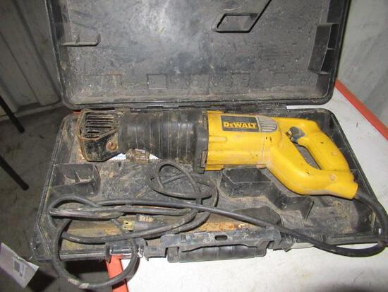 DEWALT DW304P ELECTRIC RECIPROCATING SAW IN CASE
