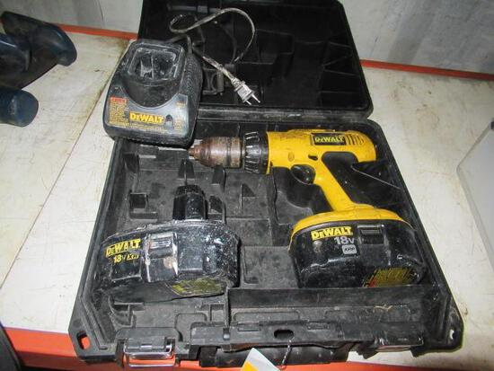 DEWALT DC9096 CORDLESS DRILL W/ BATTERY & CHARGER IN CASE