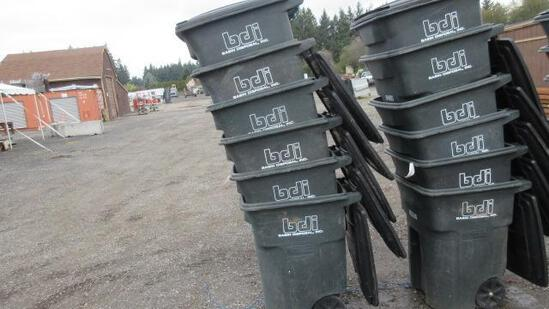 (6) TOTER 96 GALLON ROLLING GARBAGE CANS
