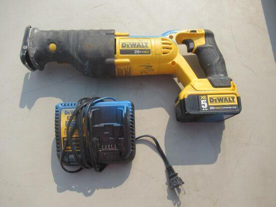 DEWALT SAWZALL DCS380 W/BATTERY & CHARGER