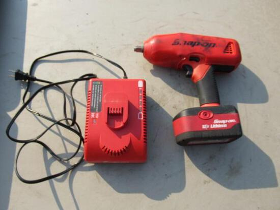 SNAP ON IMPACT GUN, CORDLESS 18 VOLT W/CHARGER & CASE MODEL # CT68500