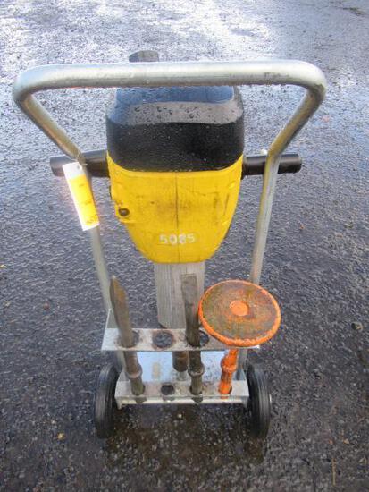 WACKER NEUSER GAS POWERED JACK HAMMER W/ CART & BITS