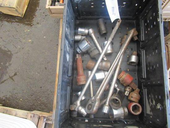 PLASTIC CRATE OF ASSORTED LINCH SOCKETS, ADAPTERS, BREAKER BARS & RACHETS