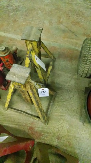 LOT OF 2 YELLOW JACK STANDS