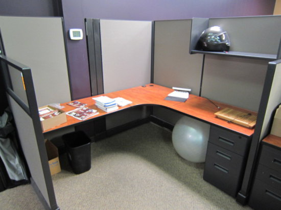 "FOUR PERSON CUBICLE WORK STATION WITH - (2) 6' X 66"" SINGLE PERSON WORK TOP"