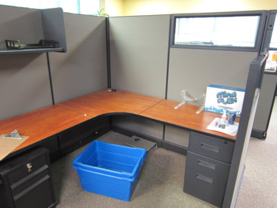 SEVEN PERSON CUBICLE WORK STATION WITH - (3) 'U' SHAPED 6' X 12' TWO PERSON