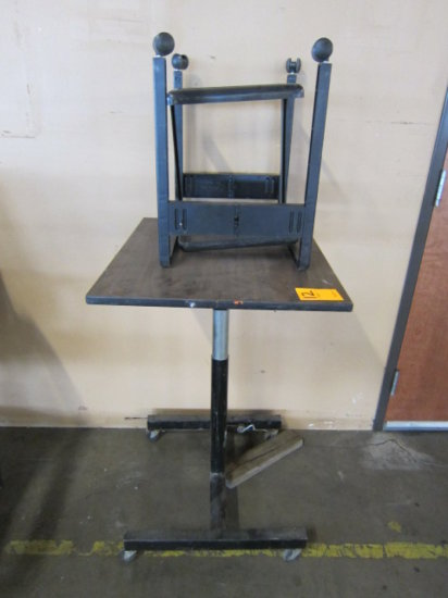 ROLLING (ADJUSTABLE HEIGHT) TABLE - 26'' X 22''