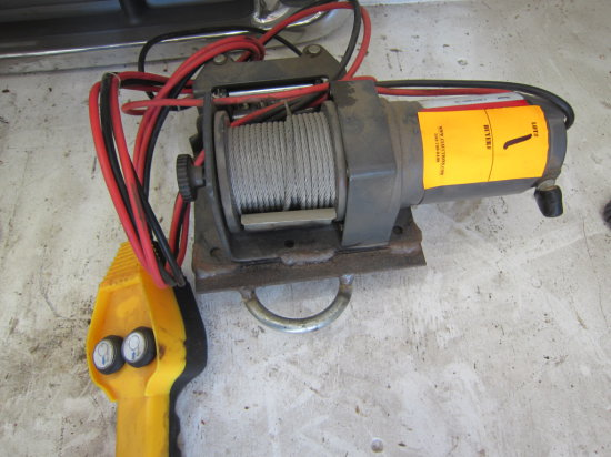 PITBULL PORTABLE 12V ELECTRIC WINCH