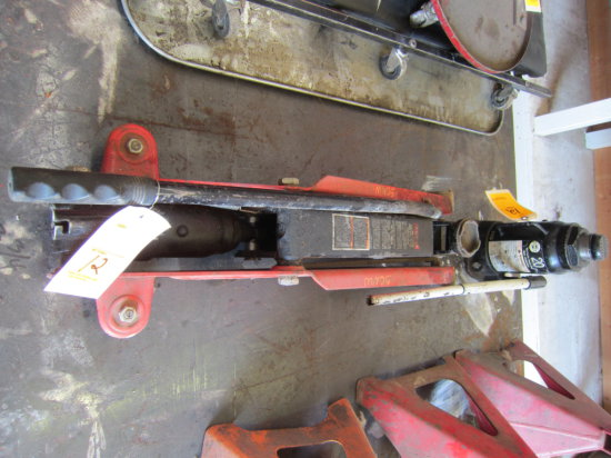 FLOOR JACK AND 20 TON HYD. JACK
