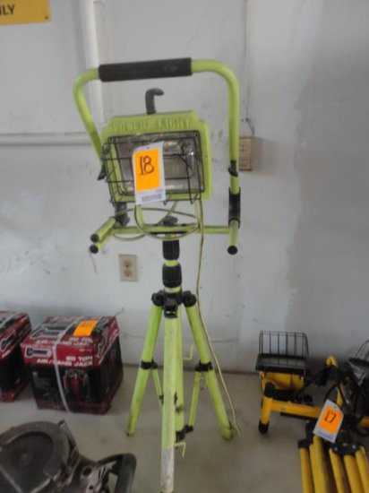 POWER LIGHT WORK LIGHT W/TRI POD STAND (GREEN)