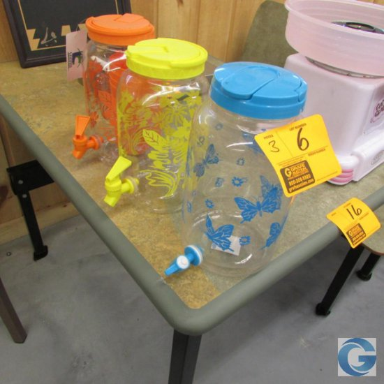 Plastic drink jugs with spicket