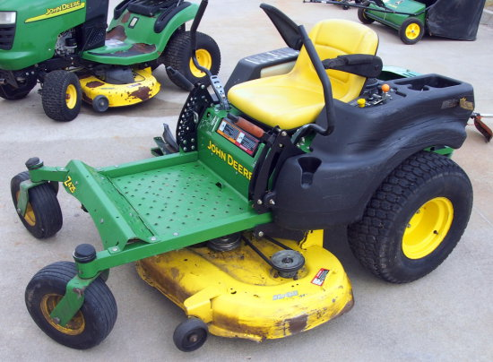 John Deere Z425 Zero Turn mower