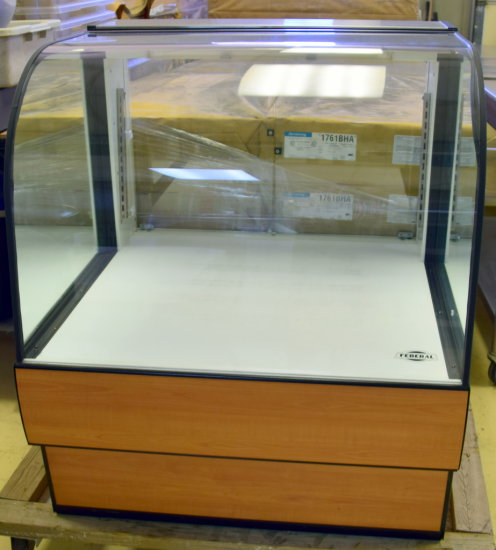 "Federal 36"" Dry Display Cabinet"