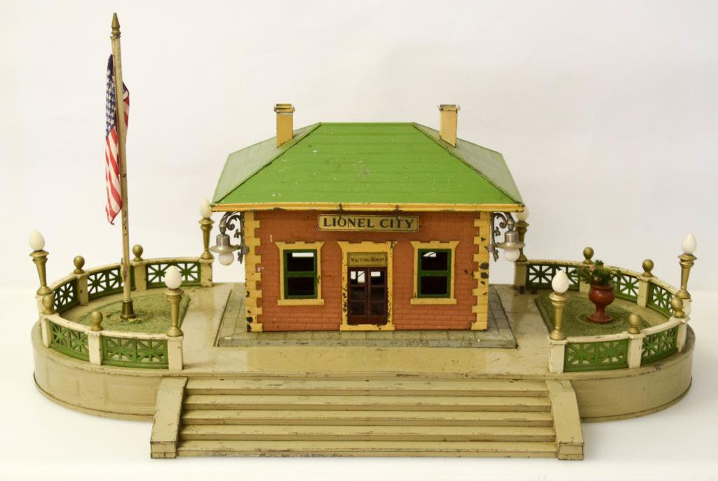 Pre War Lionel City Station & Terrace Platform