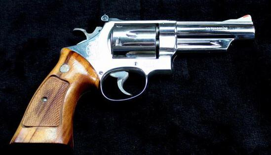 Smith & Wesson - Model 29-2 - .44 Magnum