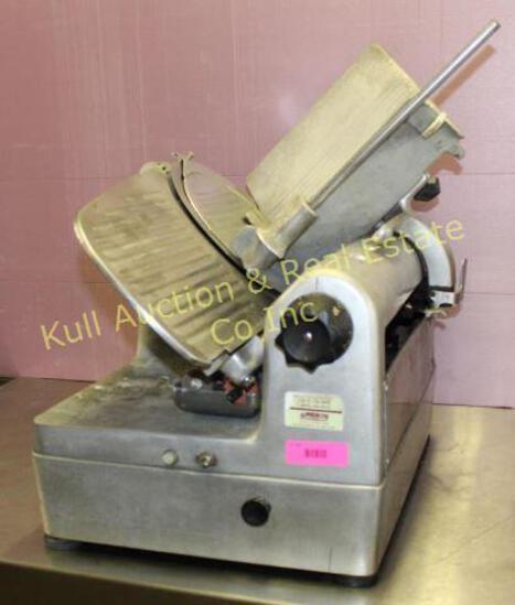 Hobart 1712 Auto Slicer w/ sharpener