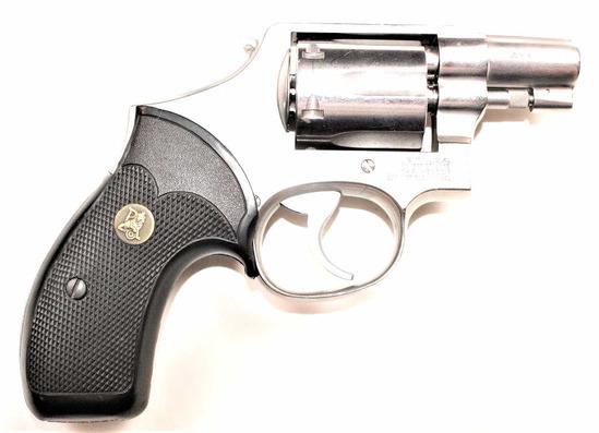 Smith & Wesson - Model 64-2 - .38 S&W Spl.