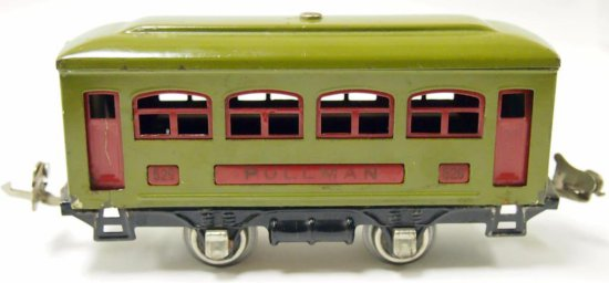 Lionel Pullman No. 529 Passenger Car - Prewar