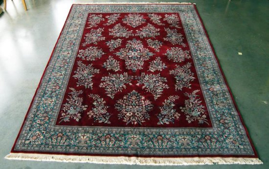 Chinese Sarouk Red/Green Rug