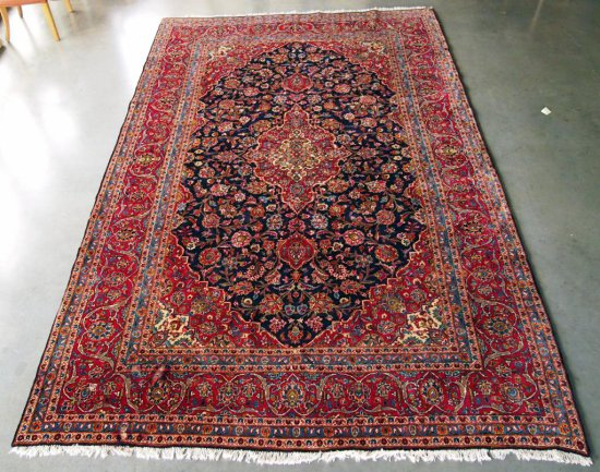 Kashan Navy/Red Rug