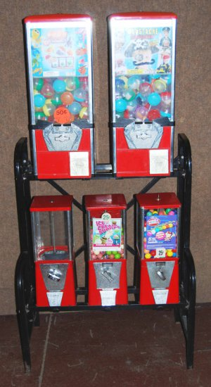 Vintage 2 Tier, 5 Machine Gumball Toy Vending Machines with Keys – Oak & Eagle