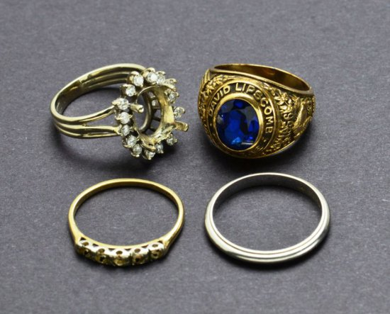 Collection of Four 14Kt Gold Rings & Semimounts