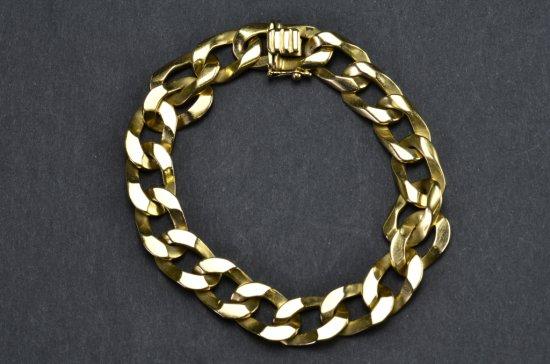 ITEM 82:18k. Y GOLD, FLATTENED SOLID BRACELET