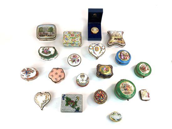 Lot of 19 Enamel, Cloissonne, Ceramic, & Porcelain Trinket Boxes