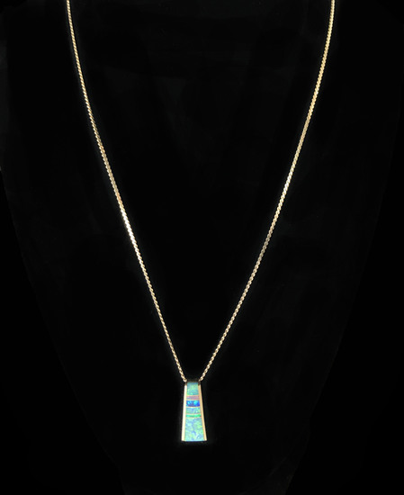 14KT Yellow Gold Opal Pendant with 10KT Yellow Gold Chain Necklace